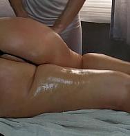 Big Booty Step Mom Gosta De Massagem Pelo Amigo Massagista Do Filho E O Pai Sabe Disso - XvideosBasil.co